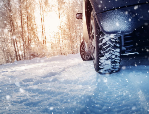 Conduire par temps de neige et verglas : les précautions à prendre